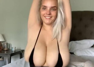 Bounceing boobs