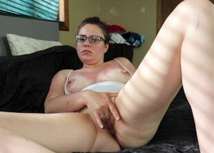 Mom cums hard